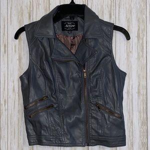 Spiritual Active USA gray leather zip up vest